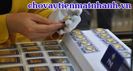 Hôm nay giá vàng miếng tiếp tục giảm gần cả trăm nghìn mỗi cây