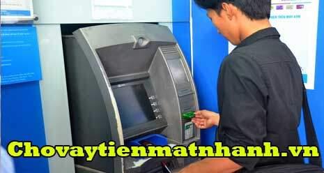 rút tiền bằng thẻ atm