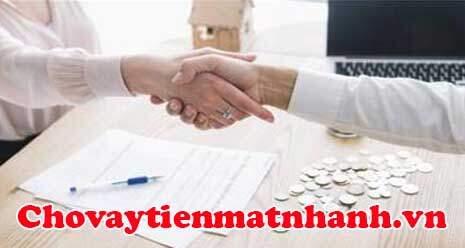 Đọc kỹ hợp đồng vay tiền trước khi ký